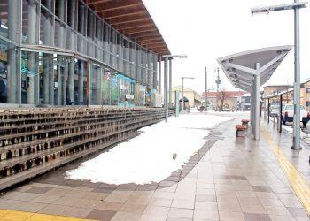 駅, ロータリー, 町, 曇り, 雪, 冬, 屋外