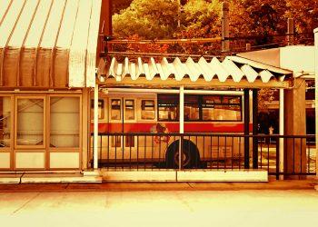 駅,ロータリー,町,屋外,晴れ,秋,ヴィンテージ