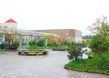 駅前,町,屋外,秋,曇り