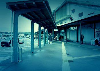 駅前,ロータリー,町,屋外,曇り,ホラー