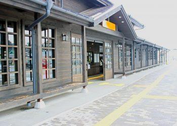 駅前,建物前,村,屋外,冬,曇り