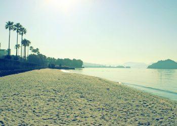 浜辺,町,屋外,秋,晴れ,昭和レトロ