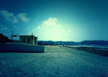 浜辺,町,屋外,夏,晴れ,ホラー