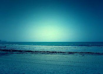 浜辺,町,屋外,春,晴れ,ホラー