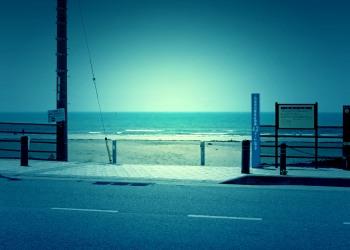 浜辺,町,夏,屋外,晴れ,ホラー