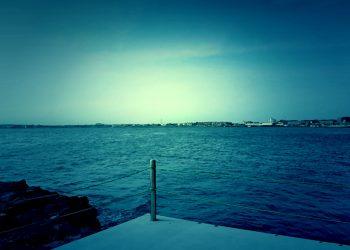 浜辺,村,屋外,夏,晴れ,ホラー