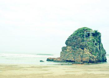 浜辺,神社,屋外,秋,曇り,昭和レトロ