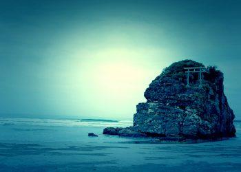 浜辺,神社,屋外,秋,曇り,ホラー