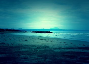 浜辺,村,屋外,秋,晴れ,ホラー