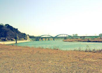 川,町, 屋外, 秋,晴れ,昭和レトロ