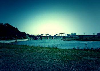 川,町, 屋外, 秋,晴れ,ホラー