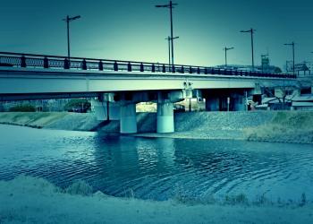 川,町,秋,屋外,曇り,ホラー