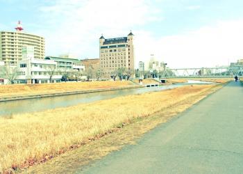川,町,屋外,秋,晴れ,昭和レトロ
