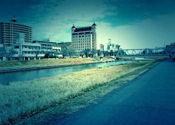 川,町,屋外,秋,晴れ,ホラー