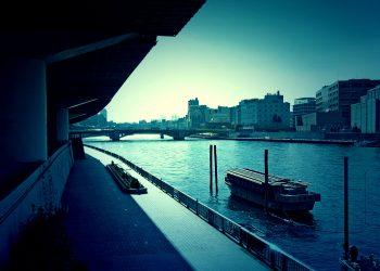 川,街,屋外,夏,晴れ,ホラー