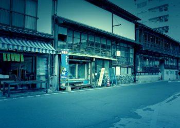 建物前,町,屋外,冬,曇り,ホラー