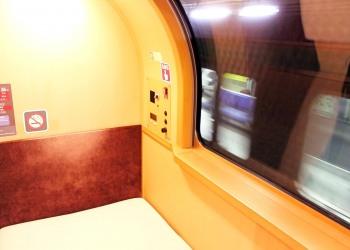 乗り物,寝台列車,屋内