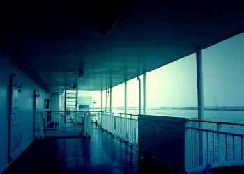 乗り物,船,屋内,夏,曇り,ホラー