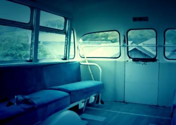 乗り物,バス,屋内,夏,ホラー