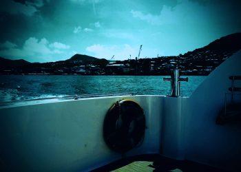 乗り物,船,晴れ,夏,屋外,ホラー