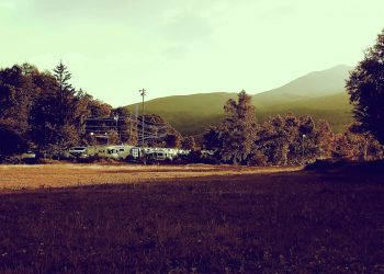 草原,アウトドア,晴れ,秋,屋外,昭和レトロ
