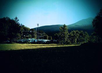 草原,アウトドア,晴れ,秋,屋外,ホラー