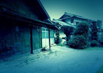 建物前,町,屋外,夏,曇り,ホラー