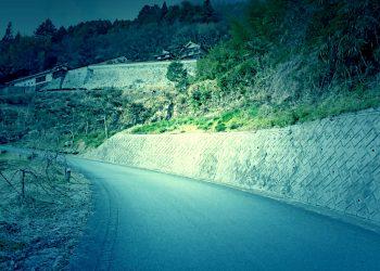 山道,村,屋外,冬,曇り,ホラー