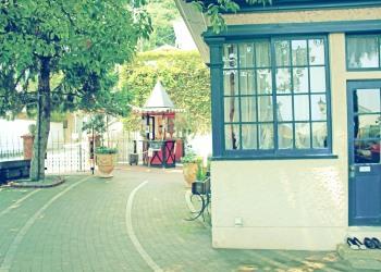 洋館,町,屋外,夏,晴れ,昭和レトロ