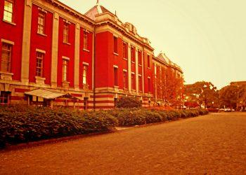 洋館,建物前,町,屋外,秋,晴れ,ヴィンテージ